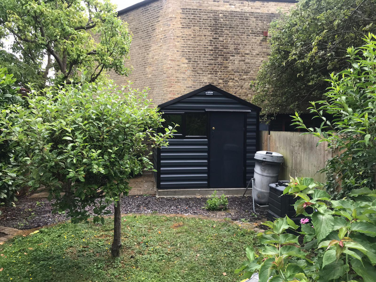 Apex Shed in Anthracite with black windows
